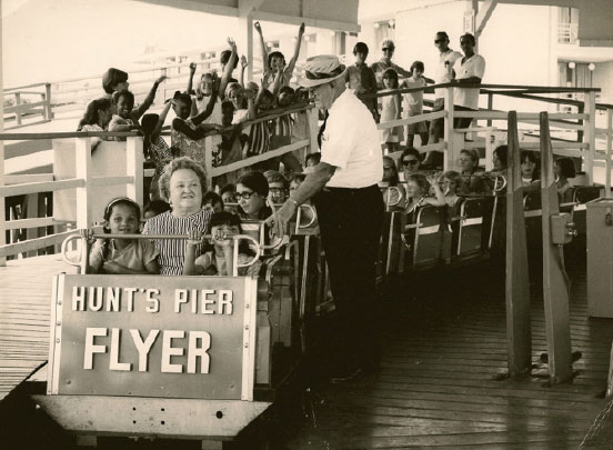 hunts-pier-flyer